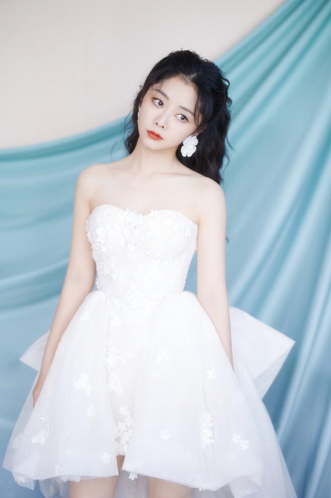 Loạt mỹ nhân Hoa ngữ khoe sắc vóc cực phẩm tại sự kiện Lễ độc thân - Hình 11