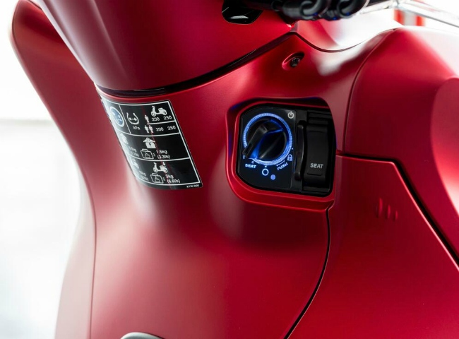 Cận cảnh vua tay ga mới 2021 Honda SH350i vừa ra lò - Hình 24