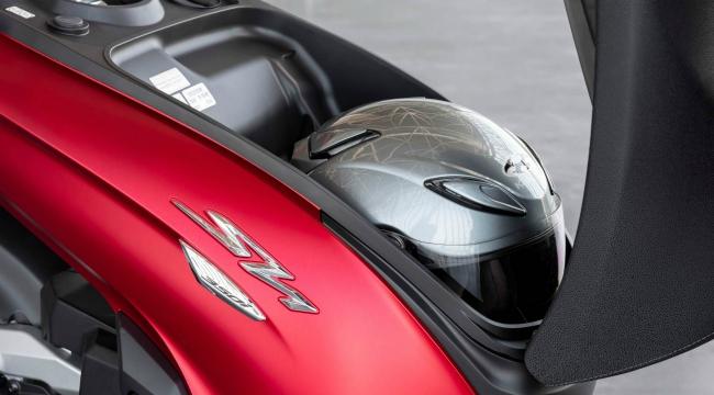 Cận cảnh vua tay ga mới 2021 Honda SH350i vừa ra lò - Hình 11