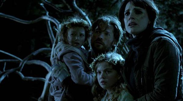 Những bà mẹ cuồng con của phim ảnh: Có là tiên, người hay ma đều yêu con đến mức phát sợ thế này đây - Hình 4