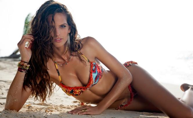 Izabel Goulart khoe đường cong body tuyệt mỹ với bikini siêu tí hon - Hình 4