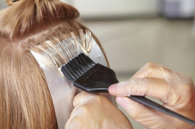 Cô gái phồng rộp da đầu sau khi tẩy tóc tại nhà - Hình 4