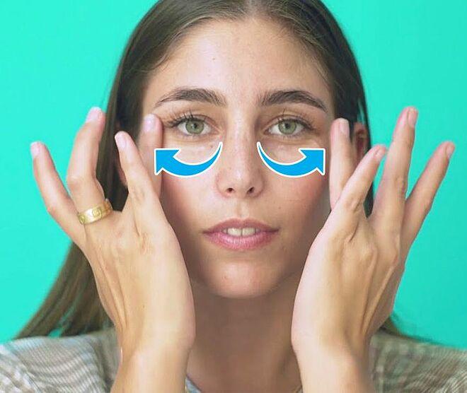 6 mẹo làm tan quầng thâm mắt - Hình 2