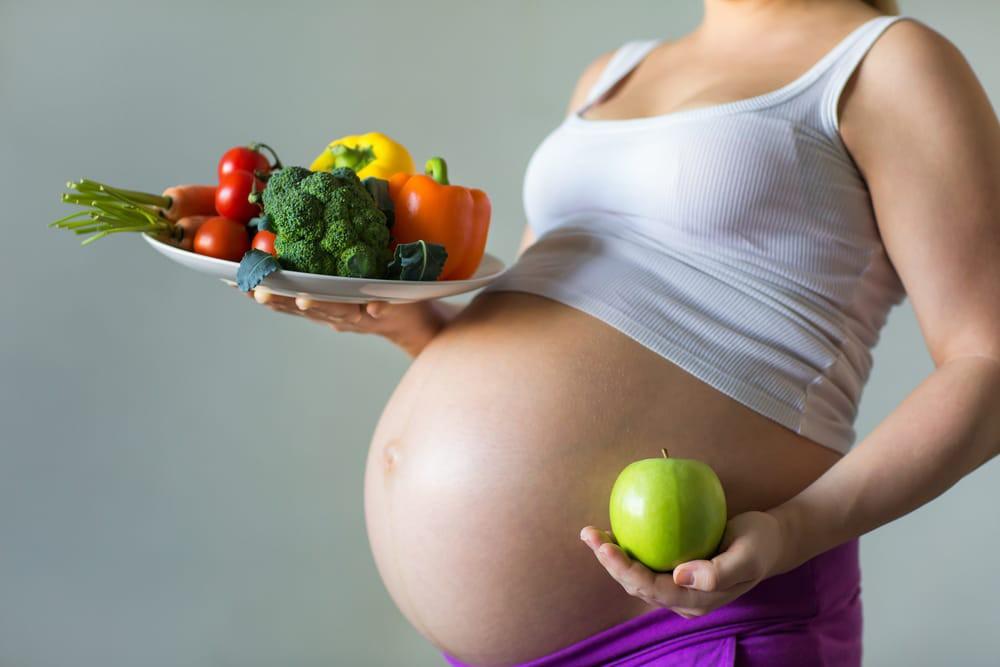 Bà bầu nên ăn những thực phẩm này để sinh con trắng trẻo, hồng hào - Hình 1