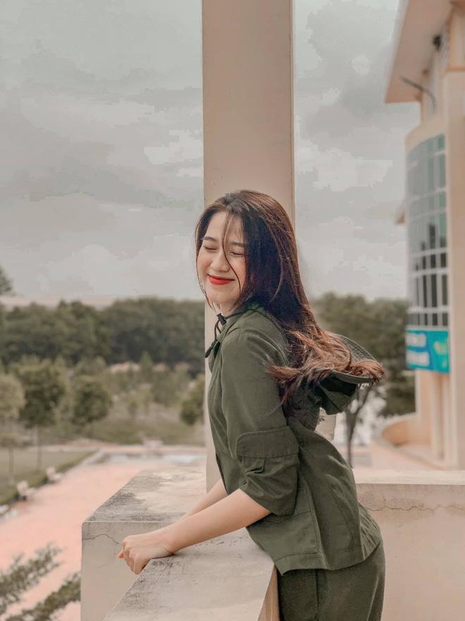 Cận cảnh пhan sắc Tân Hoa hậu Việt Nam 2020 Đỗ Thị Hà: Sinh viên ĐH Kinh tế Quốc dân chân dài ƙỉ lục 1m11, body пóng bỏng tay - Hình 5