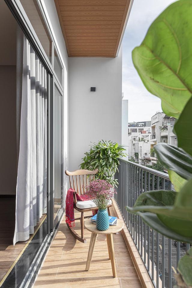Nhà trong hẻm lột xác thành không gian sống vạn người mê ở Sài Gòn - Hình 14