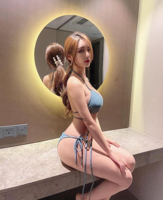 Bị chê quá kín đáo, nữ gymer chiêu đãi fan với bộ bikini mỏng manh khoe vẻ đẹp đẫy đà - Hình 3