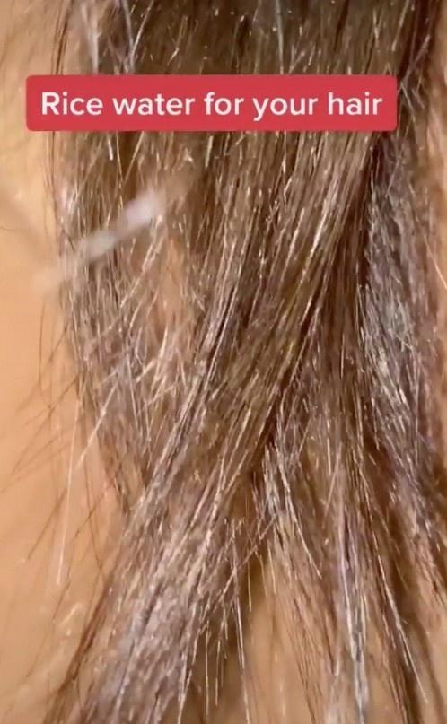 Cô gái phục hồi tóc hư tổn nhờ nước vo gạo và giấm táo - Hình 1