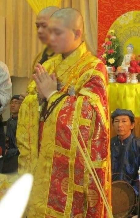 SỐC - Sư thầy Bến Tre lộ ảnh lếu lều trong khách sạn, bị Giáo hội Phật giáo cắt chức - Hình 8