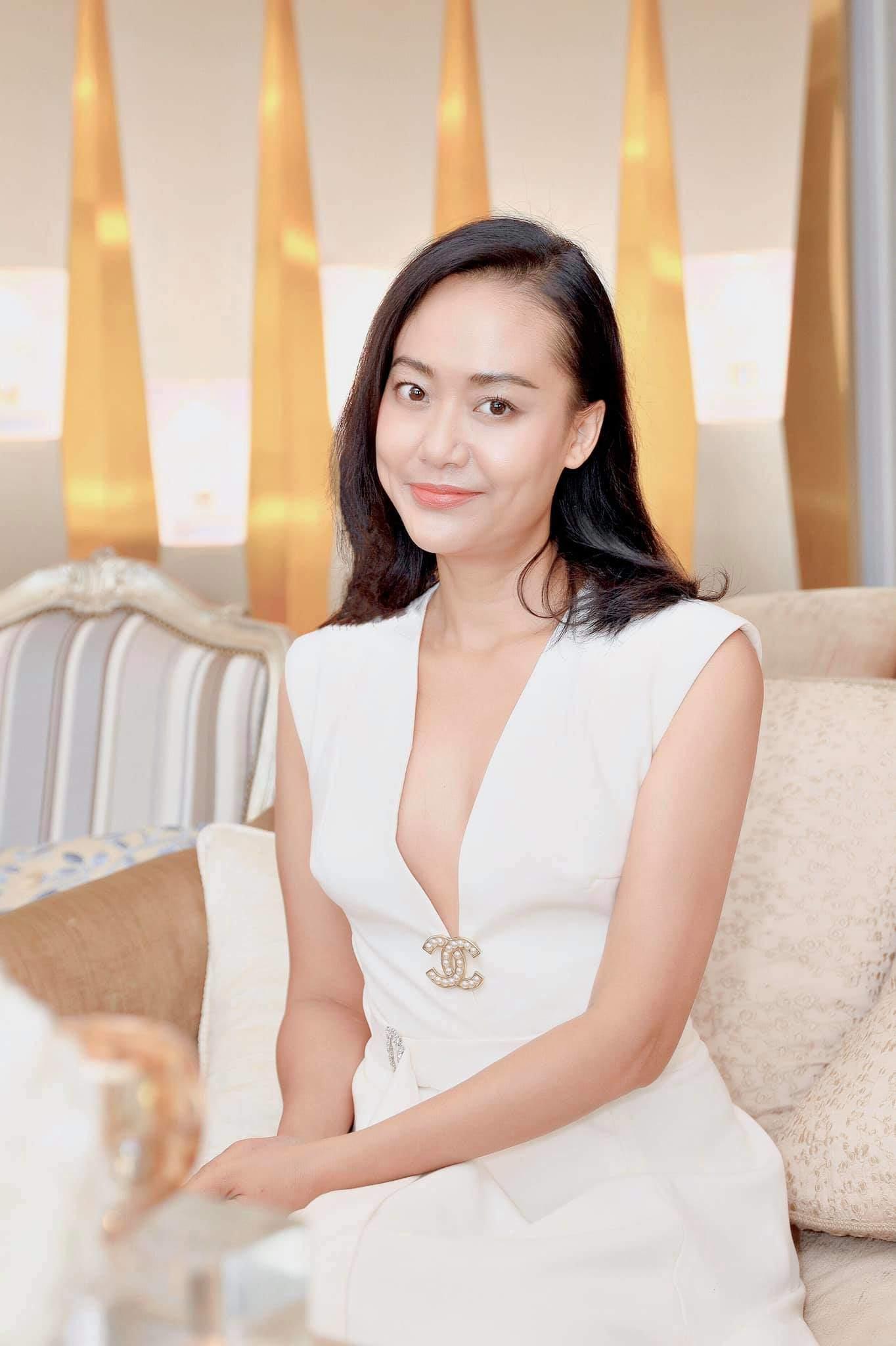 Nhan sắc mỹ nhân Tiệc trăng máu: Hồng Ánh đẹp từ thuở 20, Thu Trang thăng hạng nhờ thẩm mỹ - Hình 10
