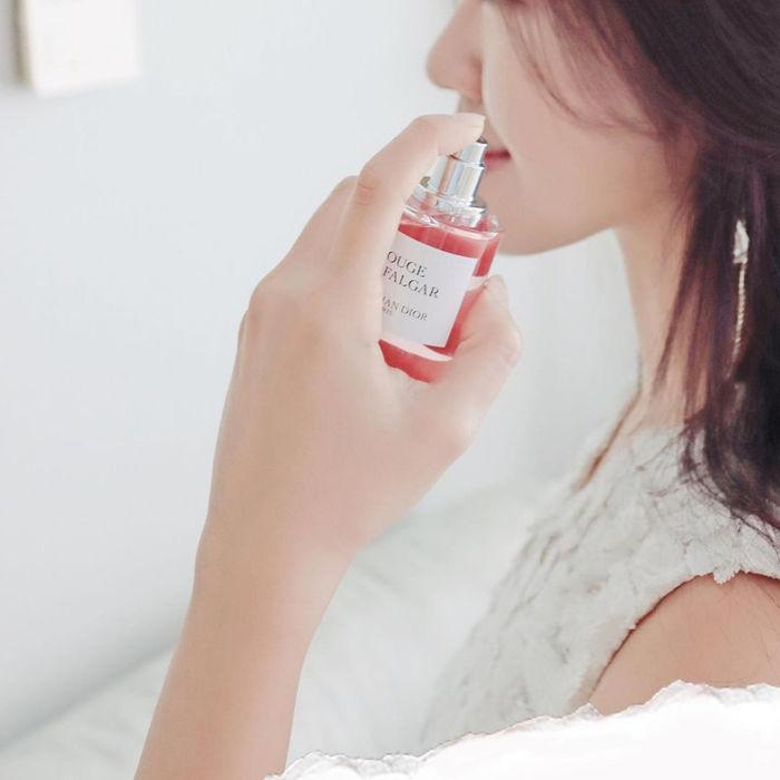 Sai lầm khi dùng nước hoa chẳng được thơm lâu còn gây phản tác dụng - Hình 1