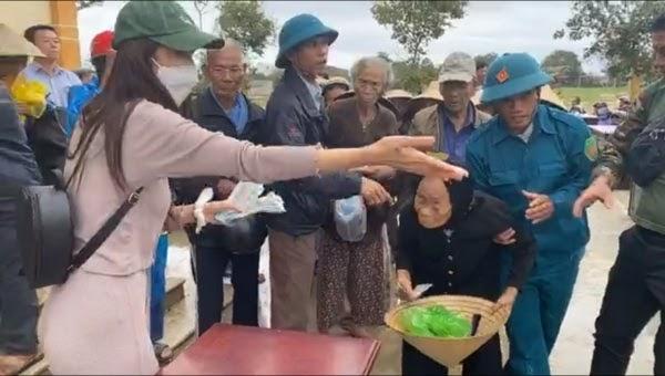 Thủy Tiên – Công Vinh về Sài Gòn sau gần 15 ngày cứu trợ miền Trung: Mệt mỏi, gầy gò, da ngăm đen
