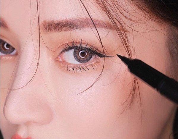 Bí quyết trang điểm giúp đôi mắt đẹp hút hồn - Hình 3