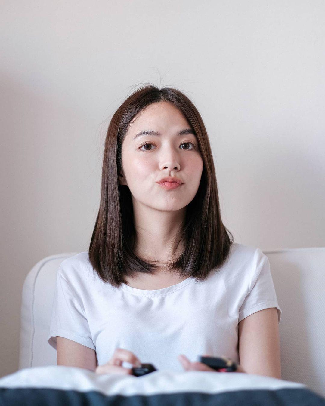 Học style tóc của gái Hàn chán chê rồi, bạn hãy thử tham khảo 4 kiểu tóc đẹp mê của gái Thái - Hình 5