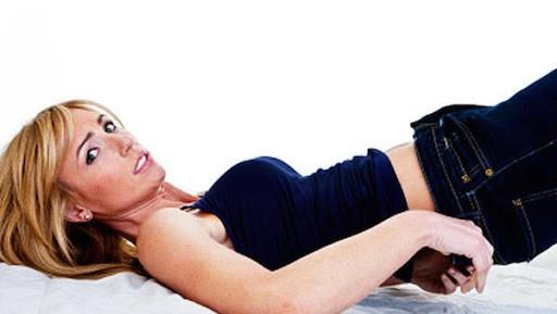 Bỏ ngay 5 thói quen này trước khi ngủ nếu không muốn vòng bụng ngấn mỡ - Hình 2