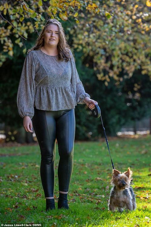 Chỉ vì nhuộm tóc mà cô gái này suýt mất mạng, may nhờ chú chó cưng phát hiện ra kịp thời - Hình 4