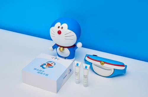 Vừa hé lộ phiên bản Doraemon, La Roche-Posay đã khiến chị em điêu đứng vì sản phẩm chất như nước cất - Hình 1