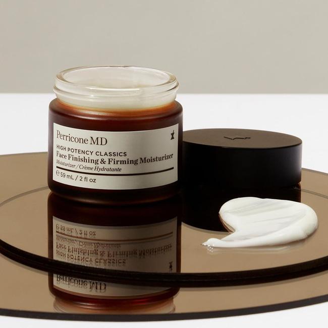 Các quý bà U50 - 70 gọi tên 5 sản phẩm chống già họ mê nhất, hiệu quả thể hiện trên chính làn da khỏe đẹp bất chấp thời gian - Hình 2