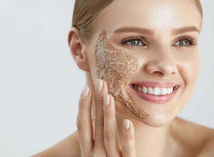 Tẩy tế bào chết cho da mặt có cần thiết không? Hướng dẫn tẩy da chết tại nhà đúng cách - Hình 1