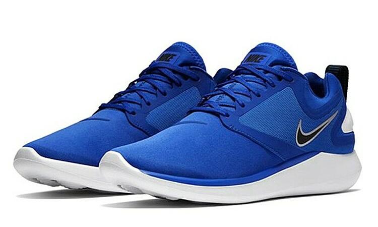 Giày Nike đồng giá 1,212 triệu đồng - Hình 1