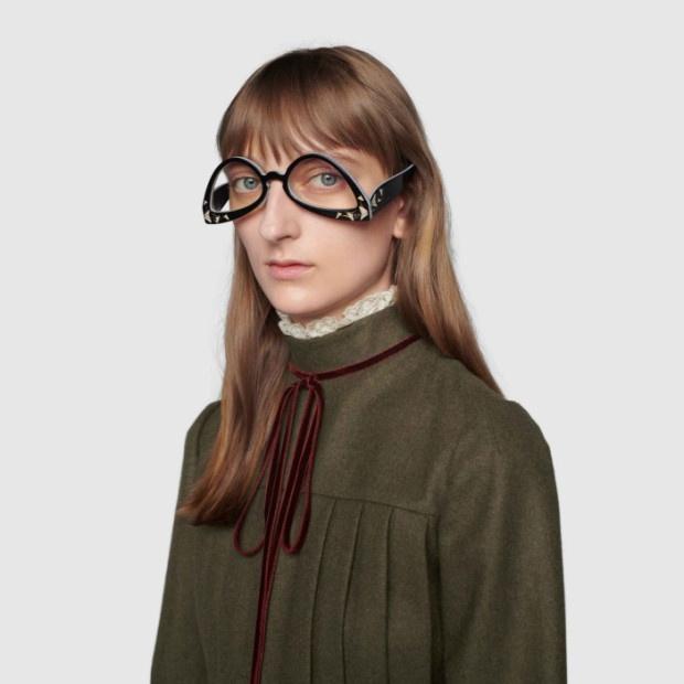 Gucci bị chê khi bán kính đeo ngược giá 650 USD - Hình 1