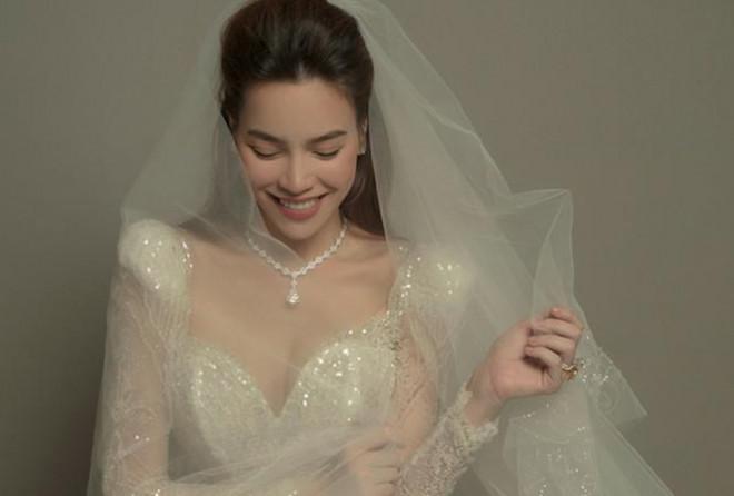 Hồ Ngọc Hà khoe ảnh lộng lẫy trong bộ váy cưới, nhan sắc bà mẹ 3 con ngày một lên hương - Hình 1