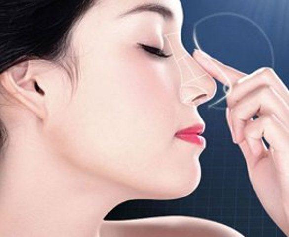Sự thật về việc cấu, véo, vuốt, bôi kem đánh răng giúp mũi thon, cao hơn - Hình 1