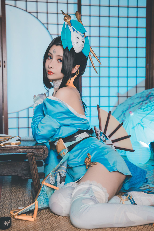 Admiringly the beauty cosplay in Honor of Kings - Photo 5