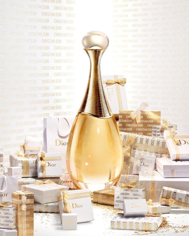10 chai nước hoa được chị em thi nhau rinh về năm 2020: Toàn mùi hương dễ dùng, không nồng không sến và sang chảnh có thừa - Hình 10