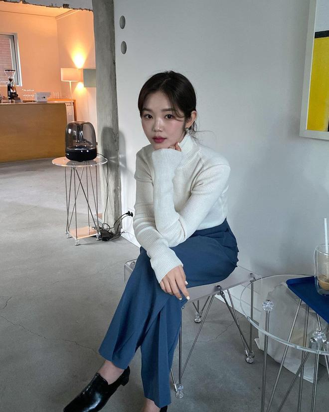 Học gái Hàn cách mix đồ đẹp đỉnh với áo len cổ lọ, lạnh đến mấy cũng sẽ thấy ấm mà vẫn thật trendy - Hình 1