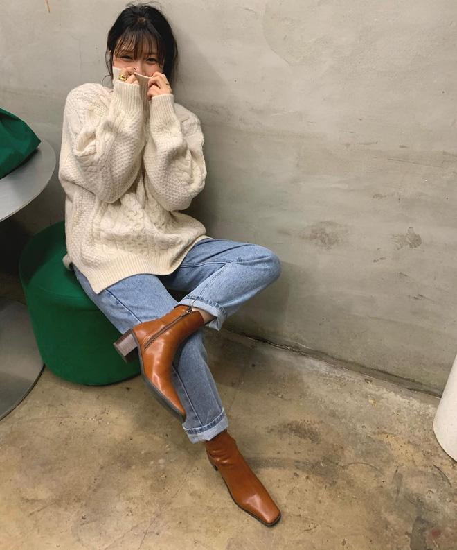 Học gái Hàn cách mix đồ đẹp đỉnh với áo len cổ lọ, lạnh đến mấy cũng sẽ thấy ấm mà vẫn thật trendy - Hình 9