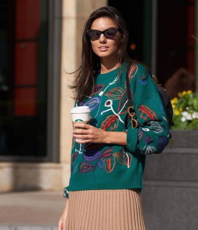 5 mẫu áo len được yêu thích nhất năm 2020 - Hình 6