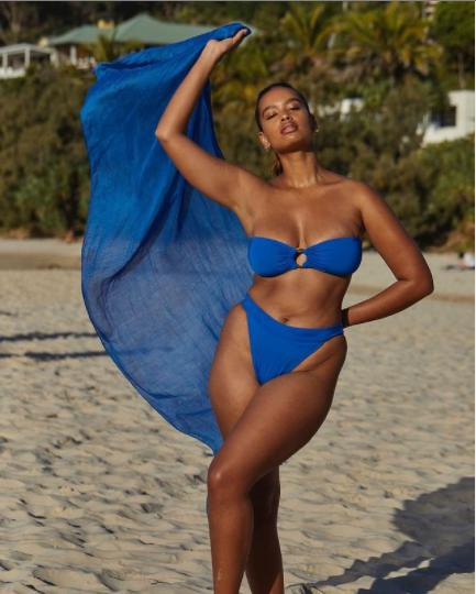 Nàng mẫu Shimma Marie khoe ba vòng cực gợi cảm với bikini - Hình 1