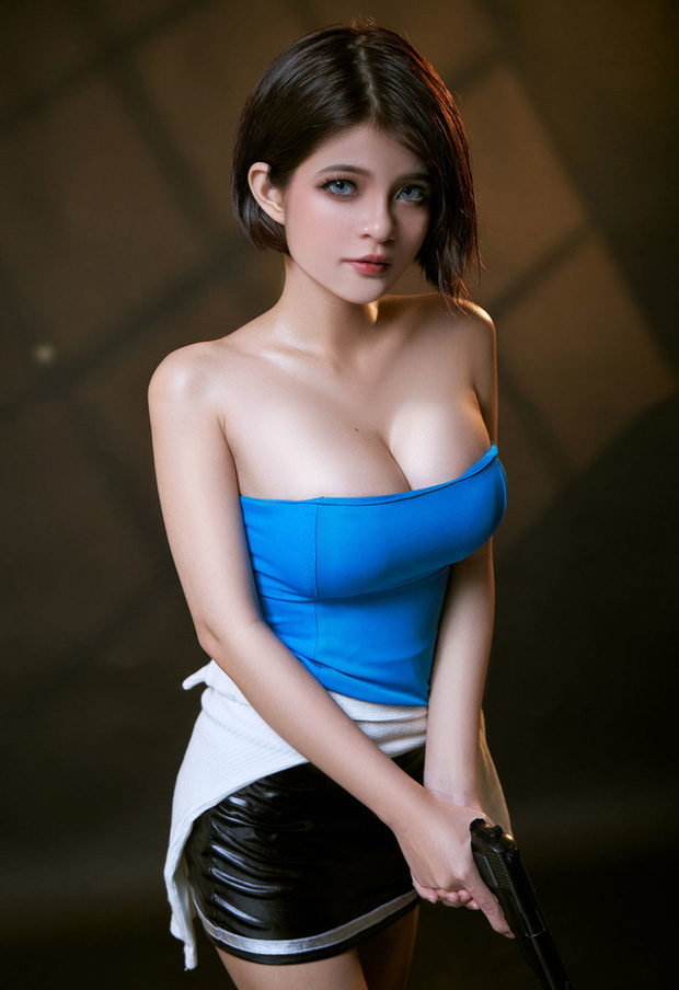 The Cosplayer transformed into Jill Valentine - photo 7