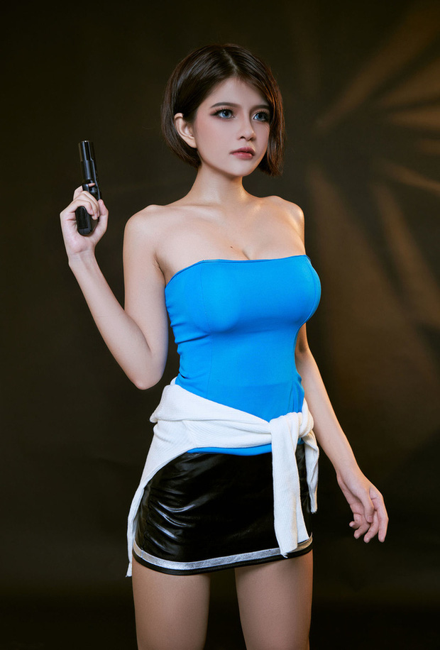 The Cosplayer transformed into Jill Valentine - photo 5