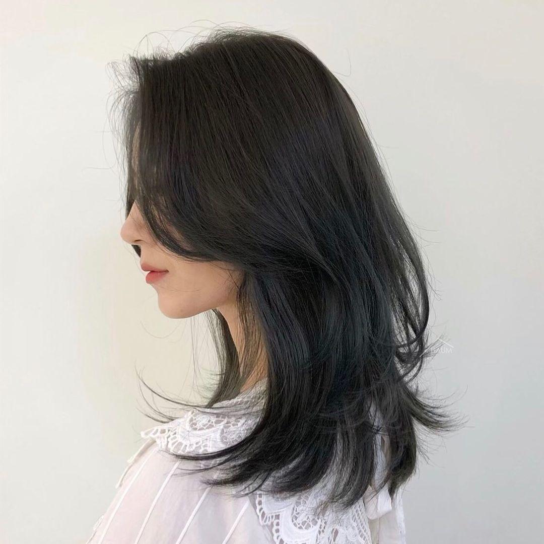 4 kiểu tóc để màu đen chân phương cũng không bị dừ, đã vậy còn giúp mặt tiền của bạn muôn phần sang chảnh hơn - Hình 1