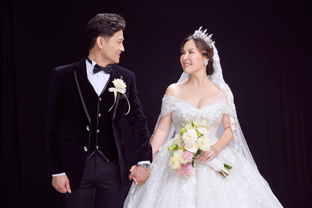 Cô dâu 7X của Quý Bình gây bất ngờ với hình ảnh về quê thăm bố mẹ chồng - Hình 6