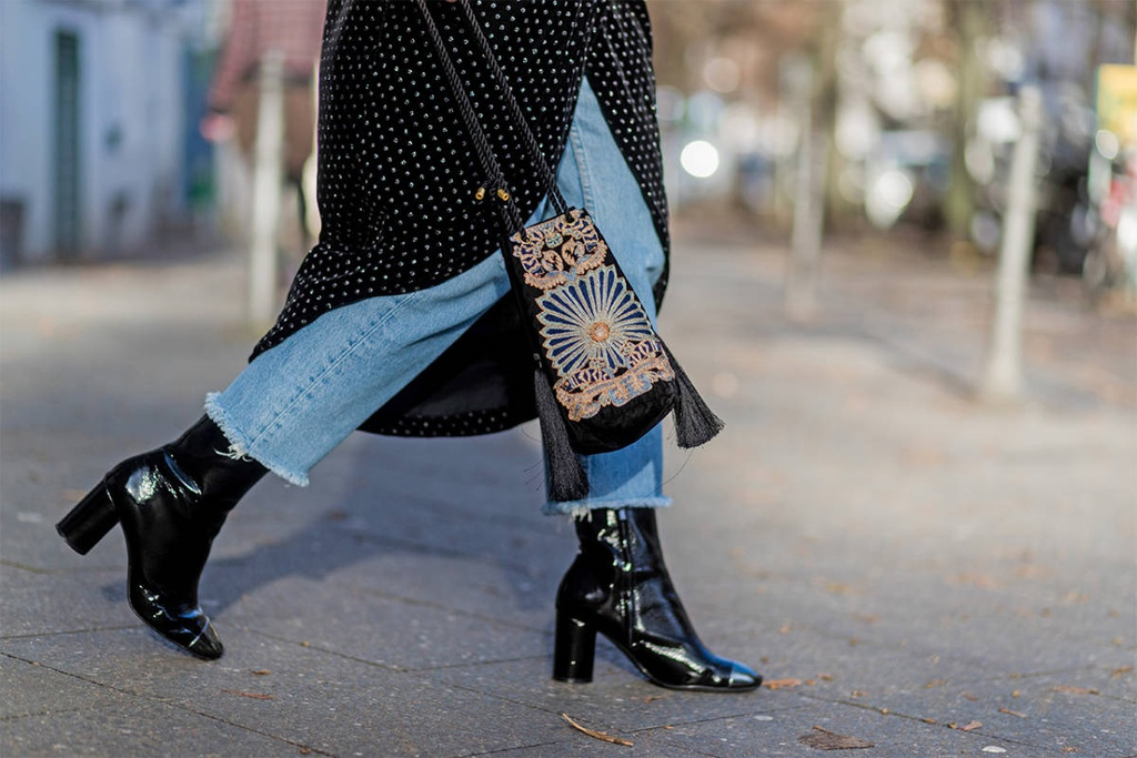 Cách đi boots giúp tôn dáng cho phụ nữ - Hình 4