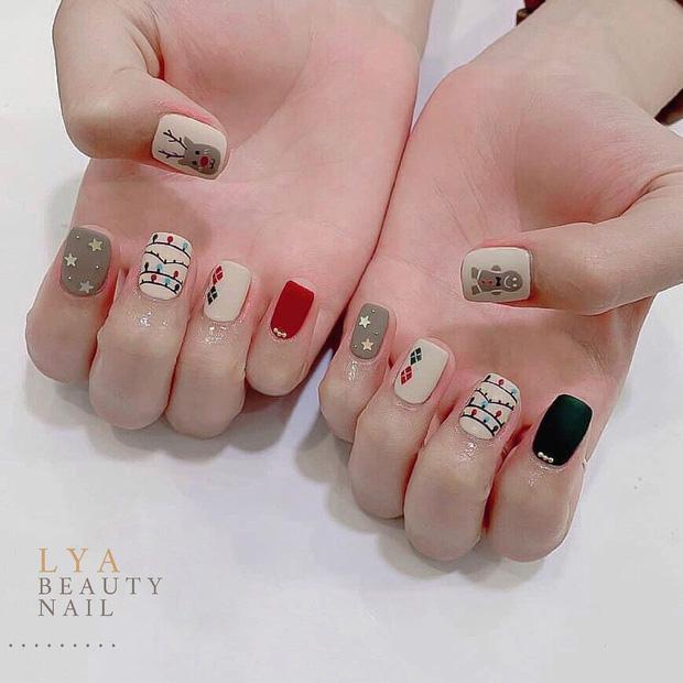 Đón Noel với 10 bộ nail xinh miễn bàn hot hit nhất các tiệm lúc này - Hình 6