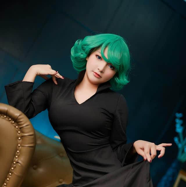 Mỹ nữ One Punch Man bước ra đời khoe chân dài tới nách qua loạt ảnh cosplay của nữ coser người Việt - Hình 2