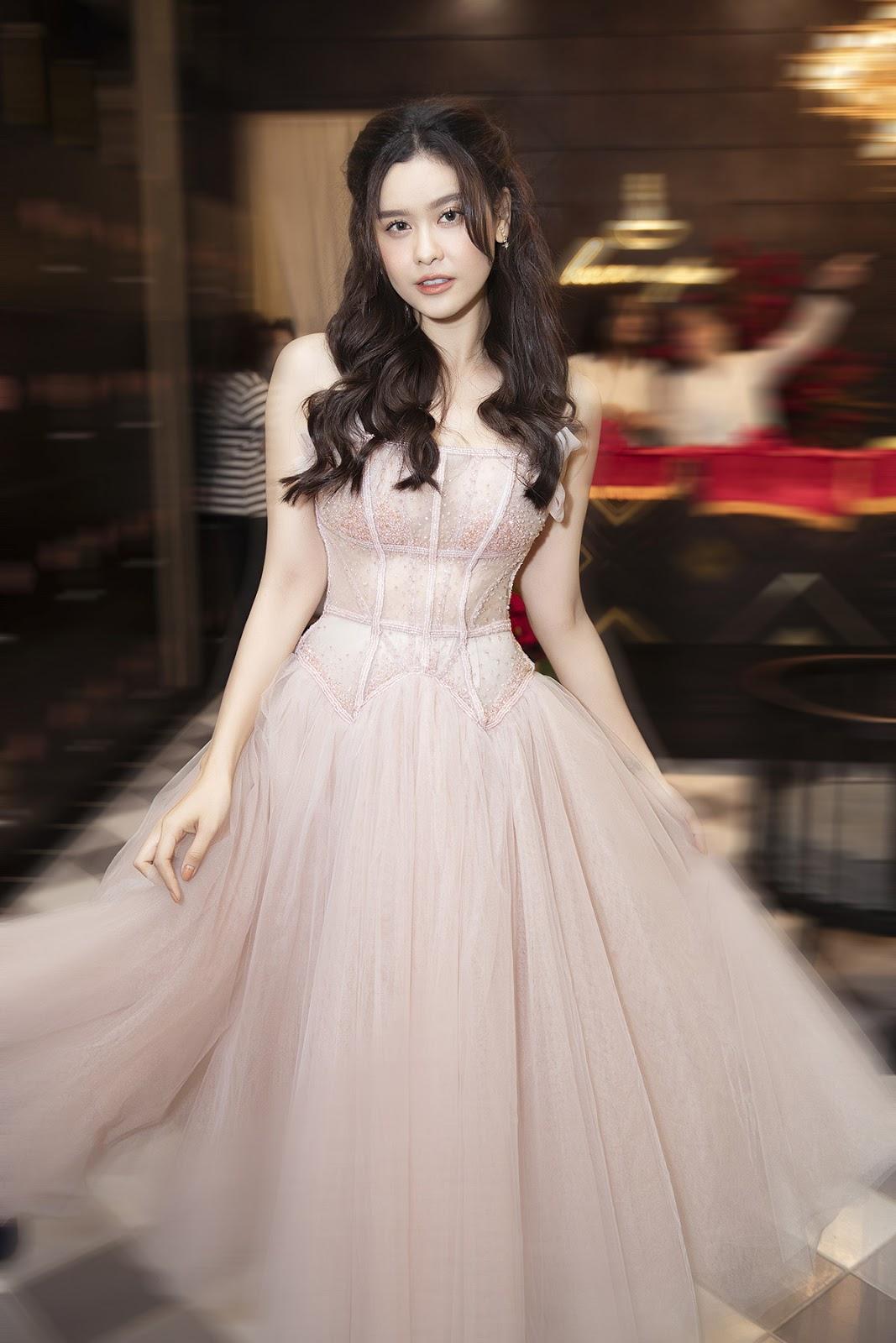 Trương Quỳnh Anh rạng rỡ, khoe vẻ đẹp không tuổi tại sự kiện - Hình 6