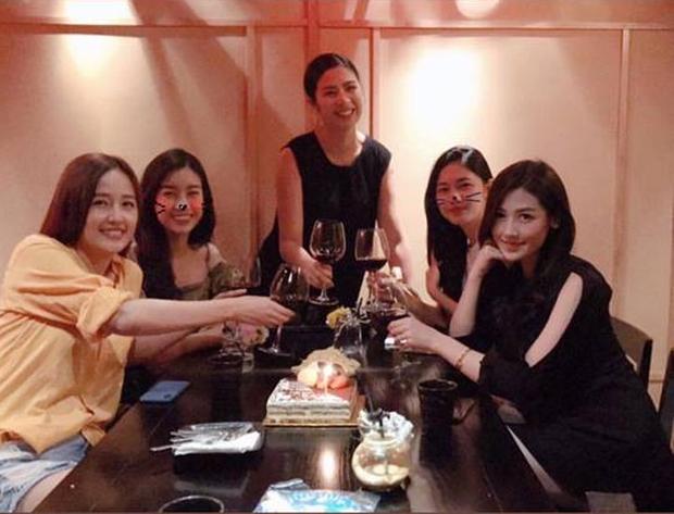 4 hội bạn thân Vbiz hot nhất thập kỷ: Hà Tăng - Đặng Thu Thảo cùng hội triệu đô, Gia đình văn hoá và nhóm Trấn Thành đều có biến - Hình 14