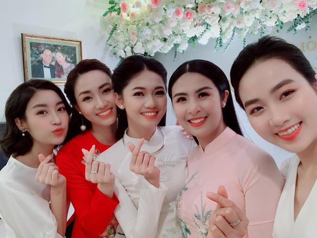4 hội bạn thân Vbiz hot nhất thập kỷ: Hà Tăng - Đặng Thu Thảo cùng hội triệu đô, Gia đình văn hoá và nhóm Trấn Thành đều có biến - Hình 16