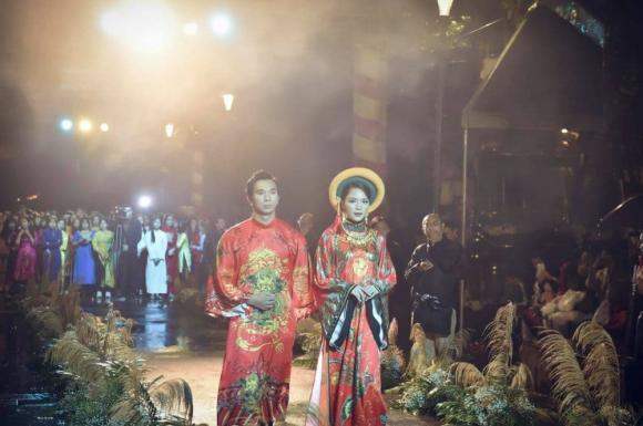 Thùy Trang và Đinh Y Nhung đội Khánh vàng, làm Vedette trong Ngày hội Áo dài Huế - Hình 6