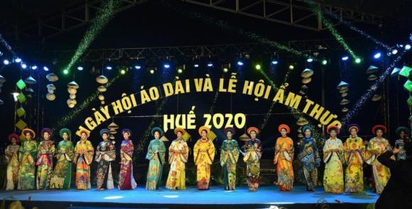 Thùy Trang và Đinh Y Nhung đội Khánh vàng, làm Vedette trong Ngày hội Áo dài Huế - Hình 7