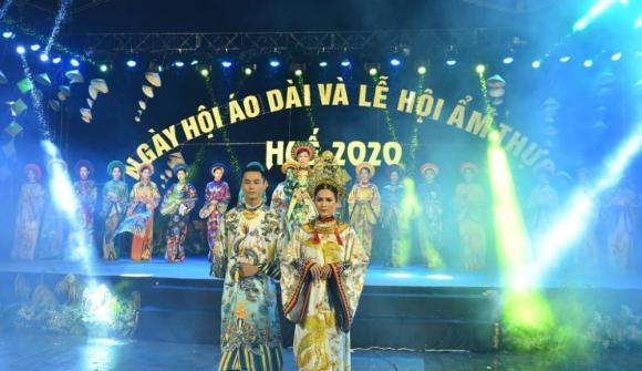 Thùy Trang và Đinh Y Nhung đội Khánh vàng, làm Vedette trong Ngày hội Áo dài Huế - Hình 3