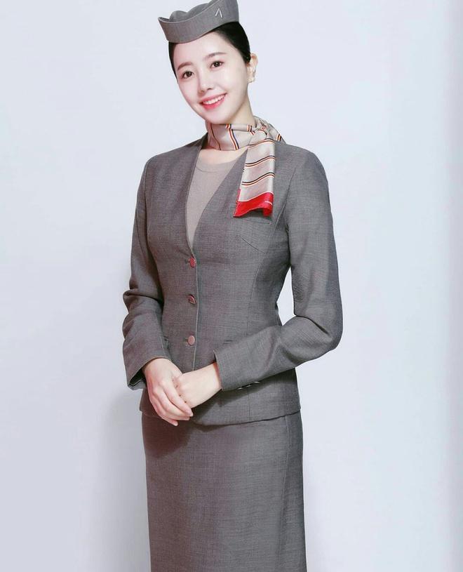 Phát thanh viên Hàn Quốc xuất thân từ tiếp viên hàng không - Hình 3