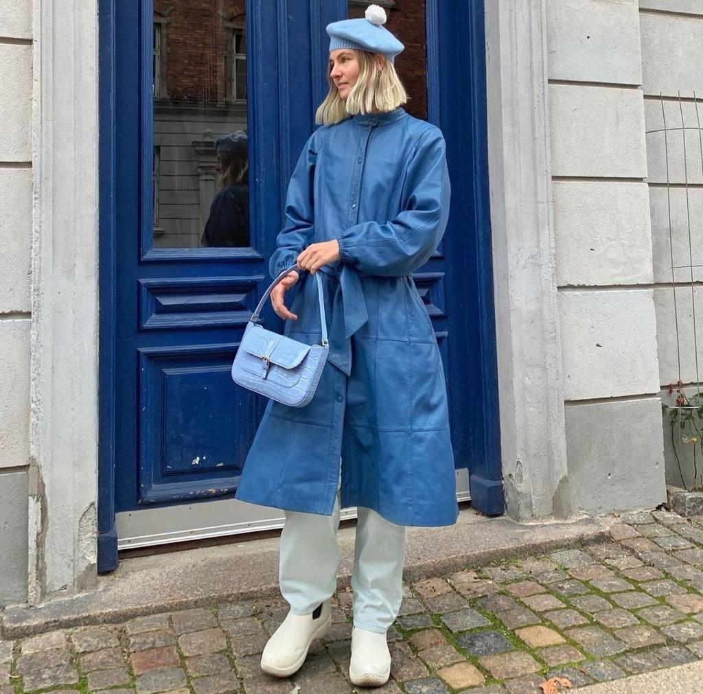 Cô gái Đan Mạch nổi tiếng vì mặc đồ nhiều màu - Hình 4
