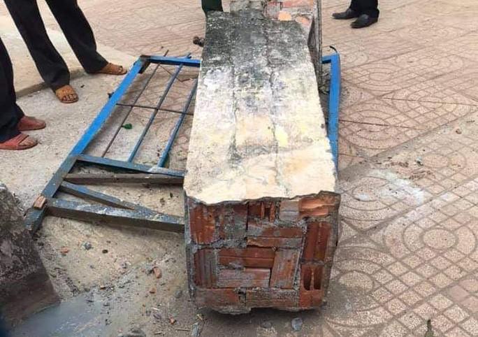 Chủ tịch UBND tỉnh chỉ đạo nóng vụ sập cổng trường đè chết học sinh - Hình 2