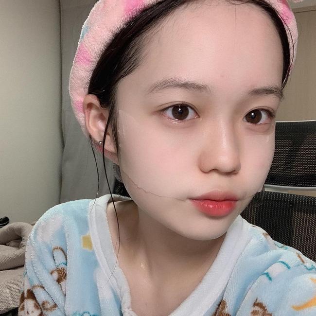 Học phụ nữ Hàn 5 cách giữ da luôn căng mọng bất chấp thời tiết mùa Đông khô hanh - Hình 1